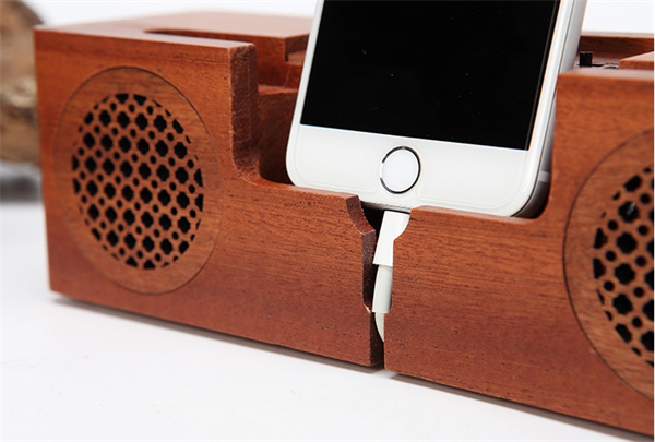 New Cool Wooden Bluetooth Speaker With Phone Holder